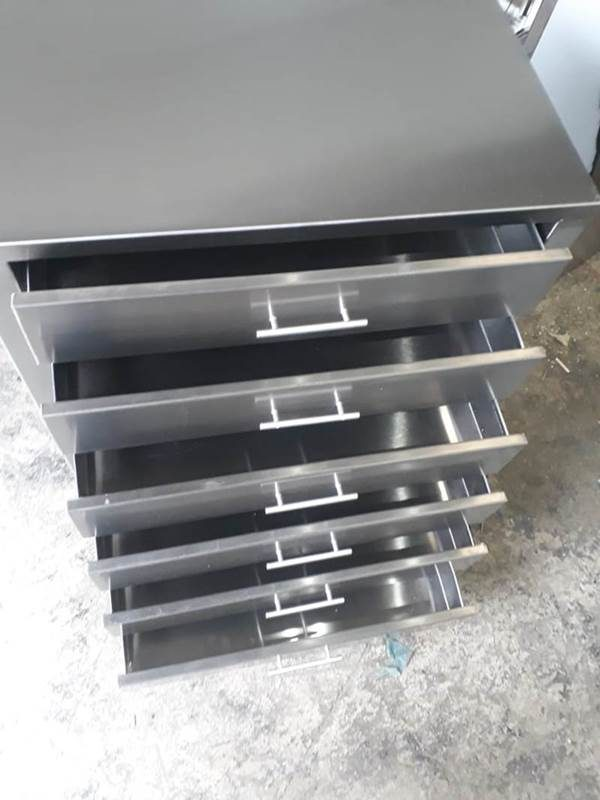 64b1d61fb Gaveteiro em Aço Inox Brilhante - Art Cozinhas Industriais em aço ...